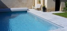 Dallage en pierre bleue, piscine traditionnelle -